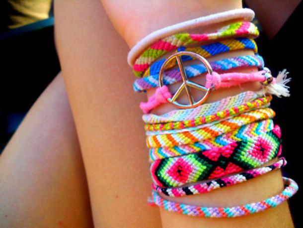 d6jfz7-l-610x610-friendshipbracelet-braceletbresilien-jewels-bracelet-pink-green-yellow-summer-bracelets-indie-tumblr-cute.jpg