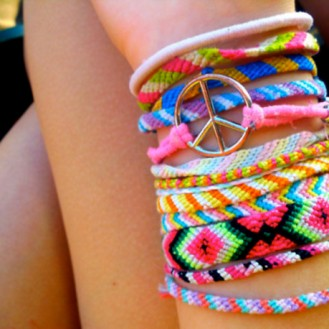 d6jfz7-l-610x610-friendshipbracelet-braceletbresilien-jewels-bracelet-pink-green-yellow-summer-bracelets-indie-tumblr-cute