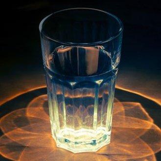 glass-1730518_1920-1
