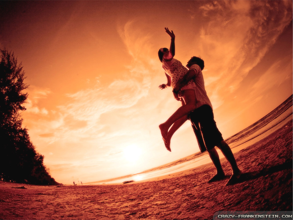 happy-at-romantic-beach-wallpapers-1024x768